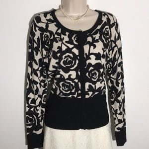 Long sleeve snap up flowered pattern sweater